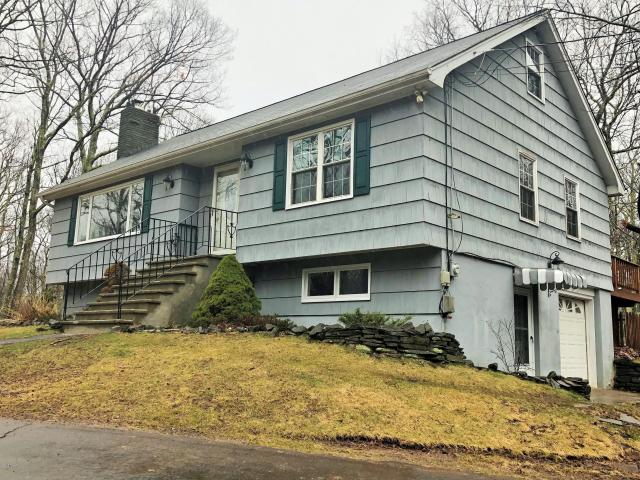 217 Upper Lakeview Drive, Hawley, PA 18428
