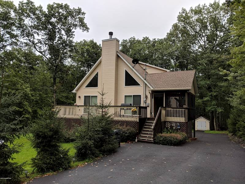 Friendly Acres Homes for Sale Hawley, PA